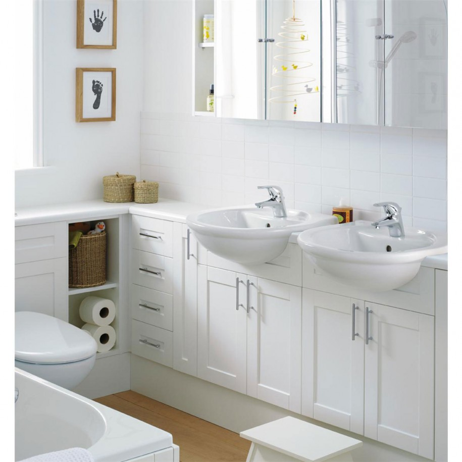 Picture of: White Small Bathroom Vanities
