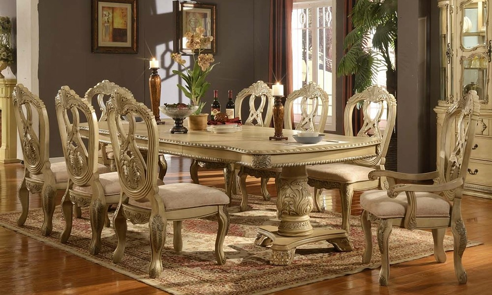 Picture of: Amazing Formal Dining Table