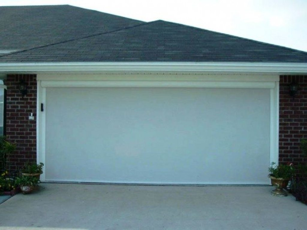 Picture of: Automatic Retractable Garage Door Screen