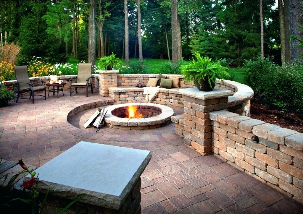 Picture of: Backyard Patio Ideas For Cheap