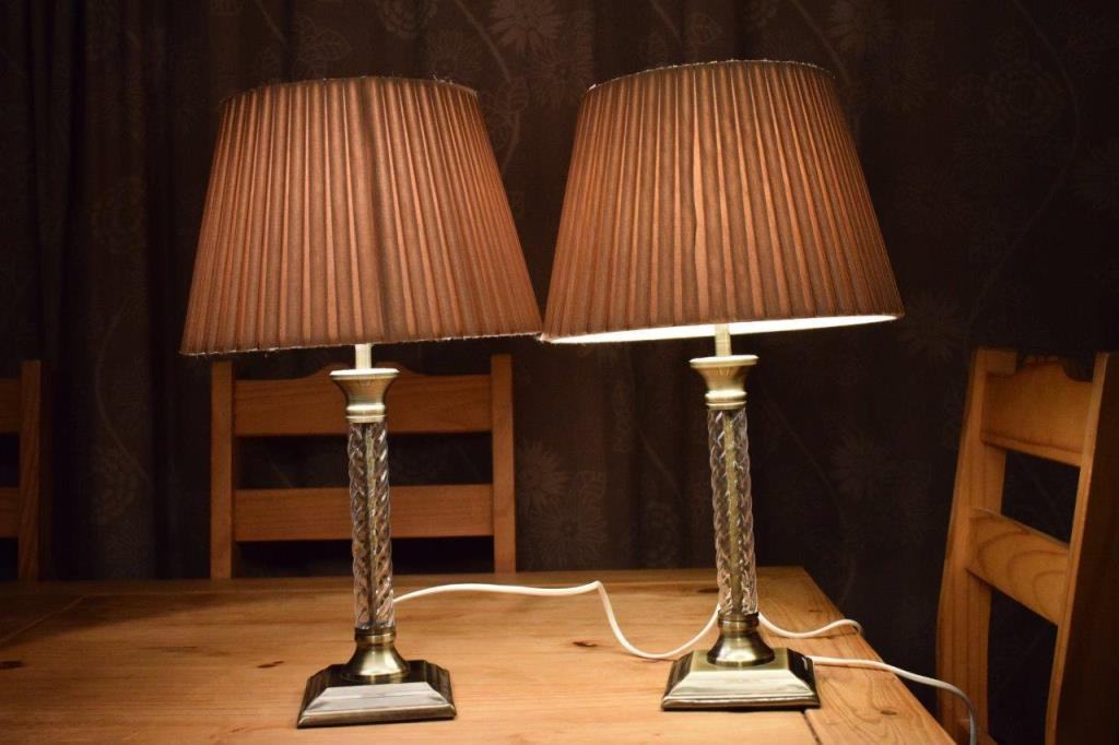 Picture of: best traditional table lamps