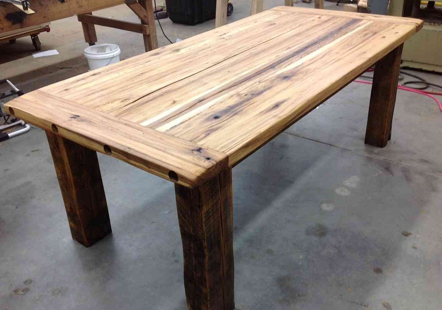 Picture of: build reclaimed wood farm table