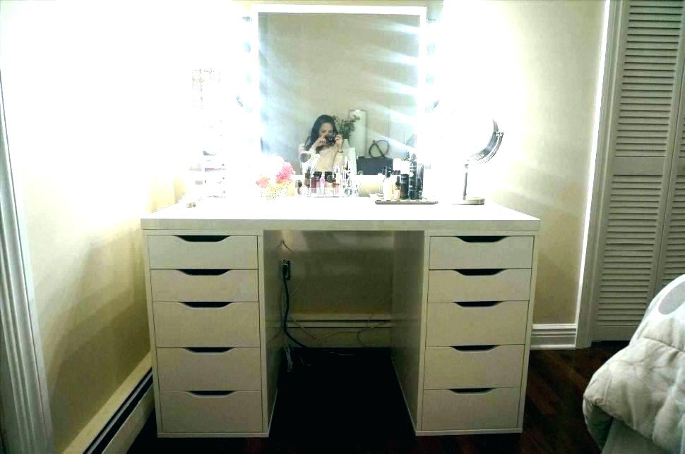 Image of: Corner Bedroom Vanity Units