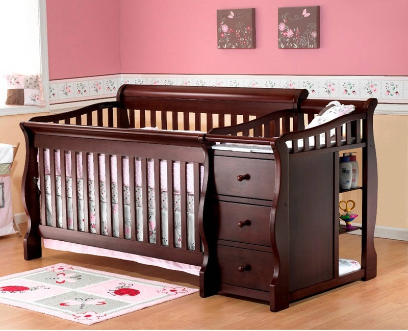 Image of: Cribs With Changing Table Combo Ideas