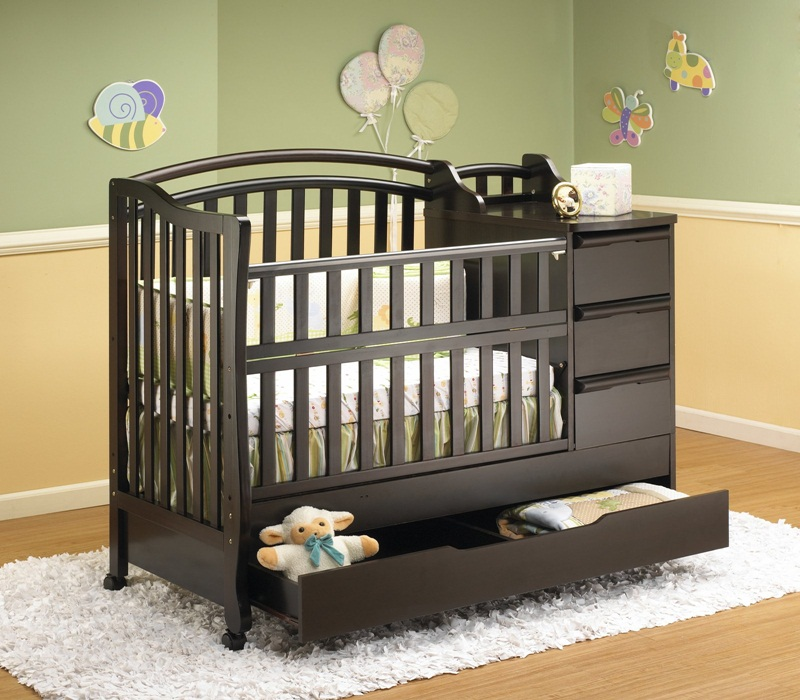Image of: Cribs With Changing Table Combo Images
