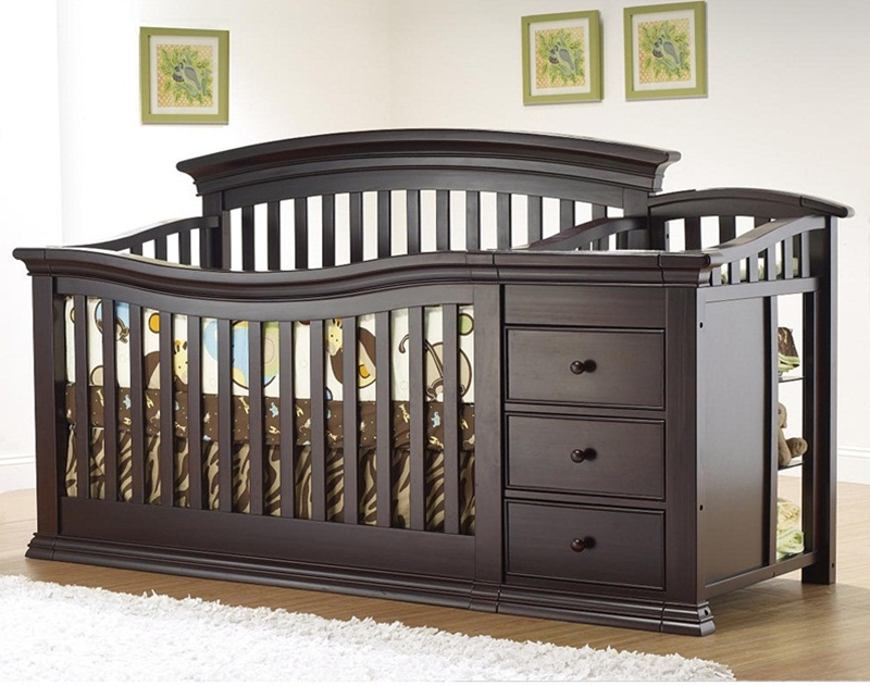 Image of: Cribs With Changing Table Combo