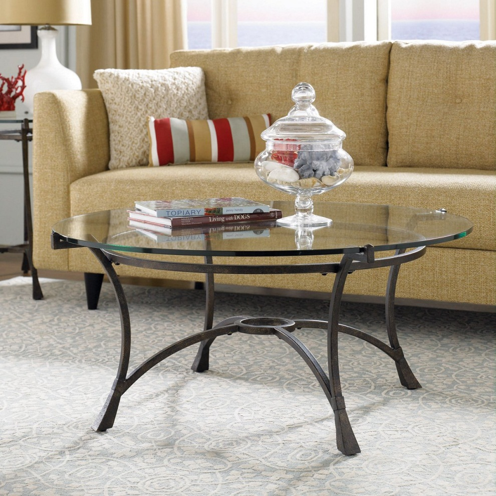 Image of: Decorating Circular Coffee Table