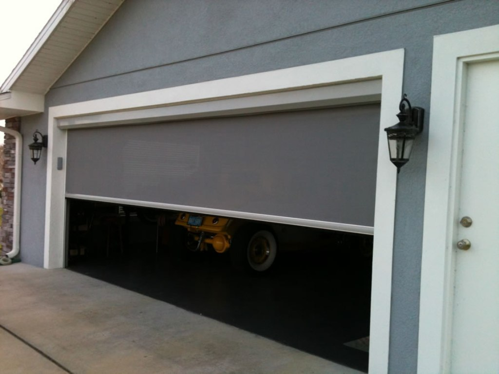 Picture of: Electric Retractable Garage Door Screens