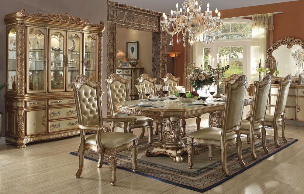 Picture of: Elegant Formal Dining Table