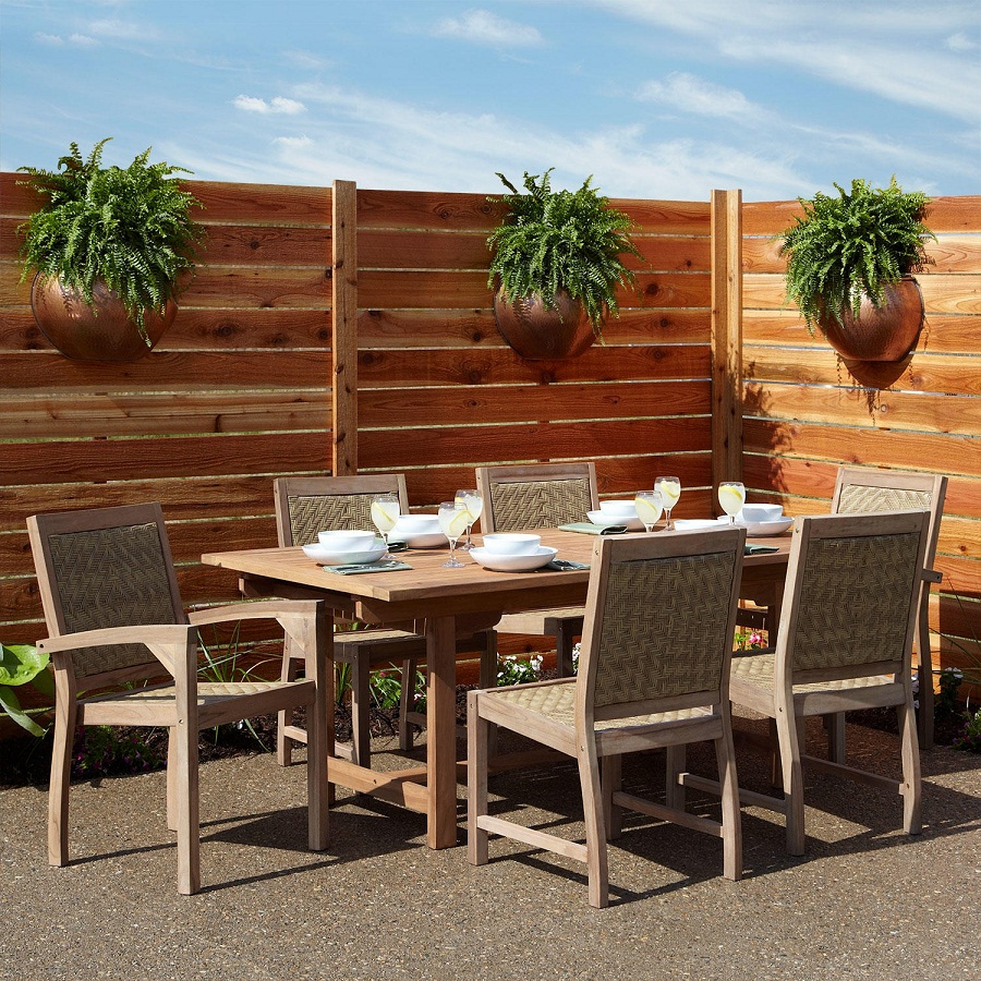 Image of: Expandable Outdoor Dining Table Wooden