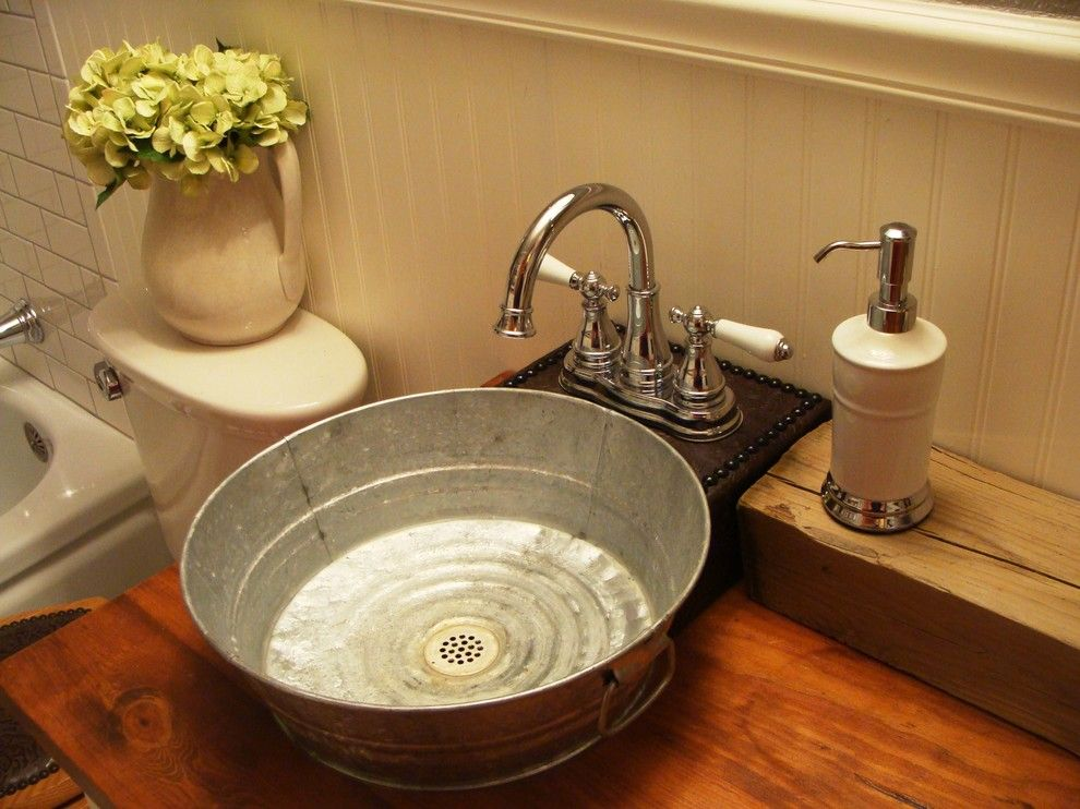 Picture of: Farmhouse Bathroom Vanity Creative