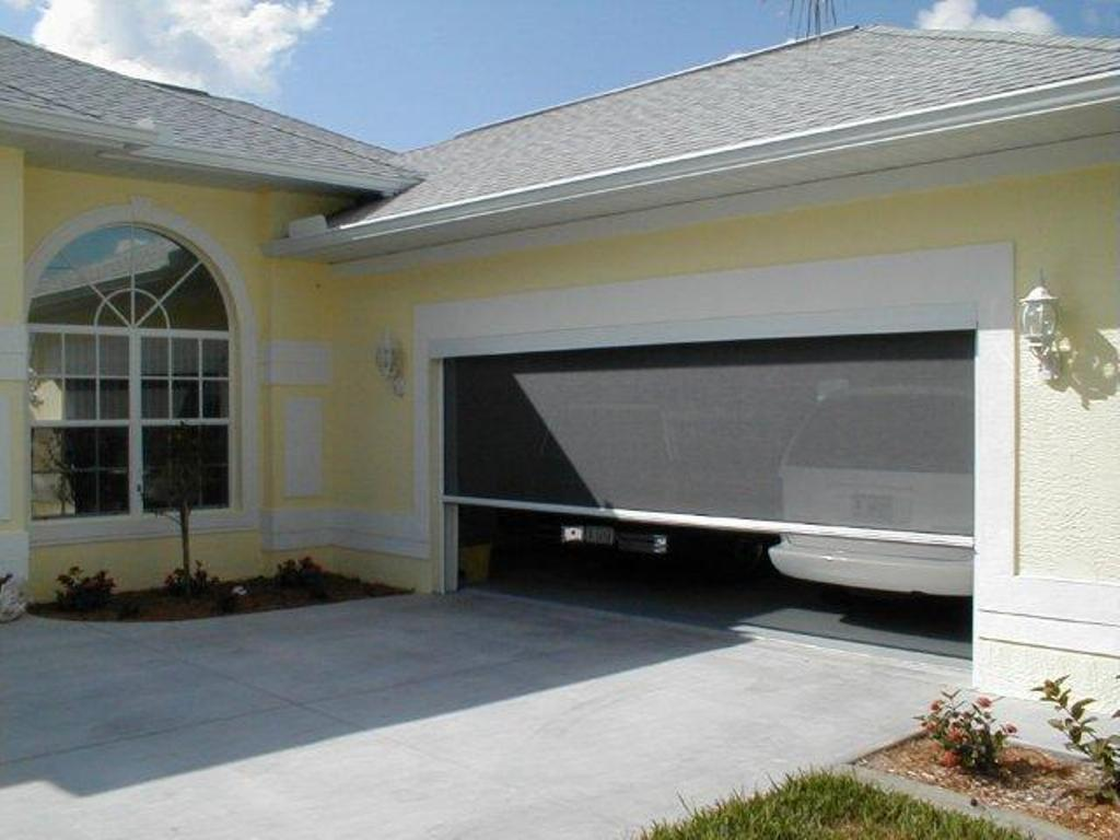 Picture of: Garage Door Screens Retractable Florida