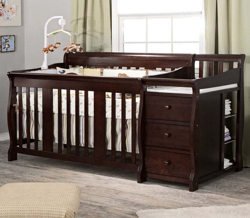 Image of: Good Cribs With Changing Table Combo