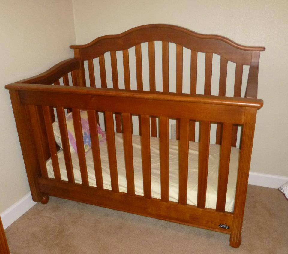 Picture of: Ideas Baby Crib and Changing Table