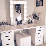 Ikea Makeup Vanity Table With Lighted Mirror