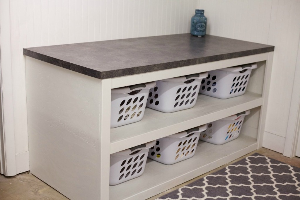Image of: Laundry Folding Table Diy