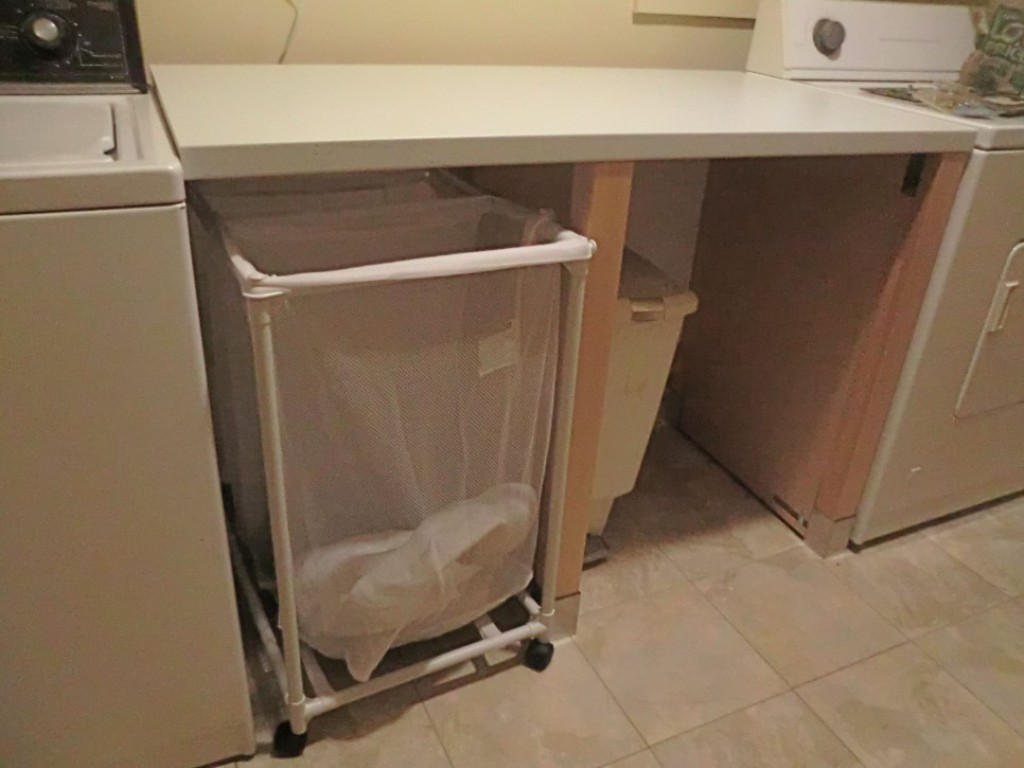 Image of: Laundry Folding Table With Storage