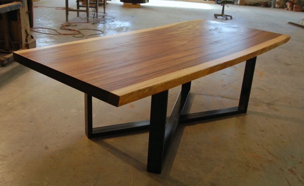 Image of: Live Edge Dining Table Accessories