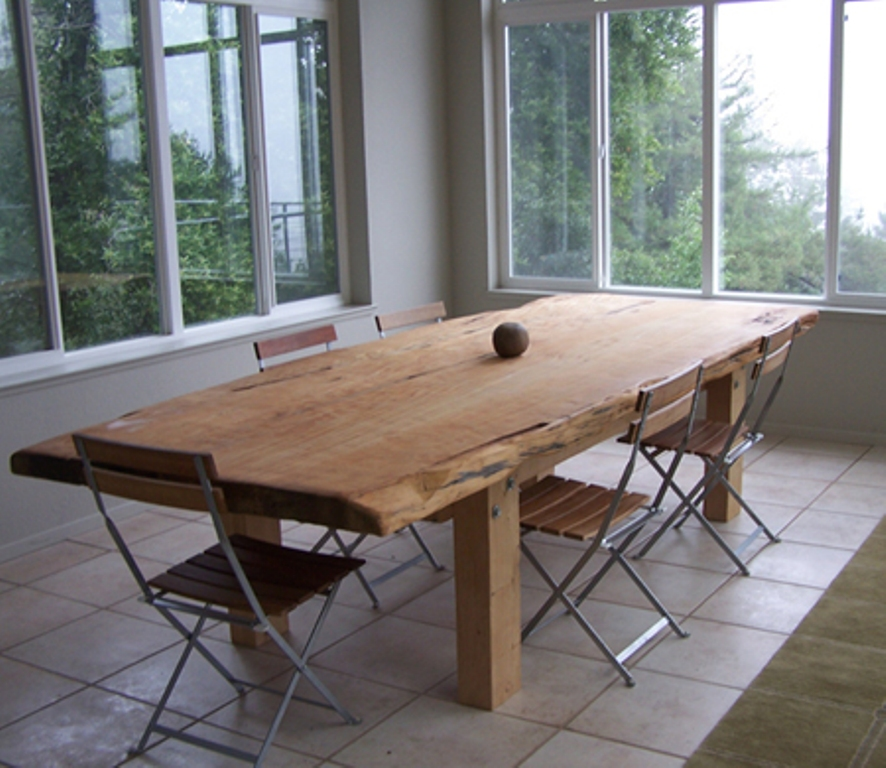 Image of: Live Edge Dining Table Decor