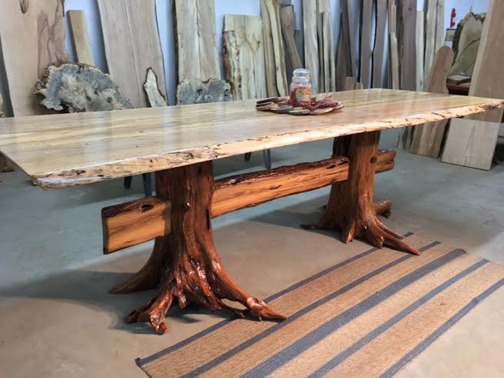 Picture of: Live Edge Dining Table Decorations