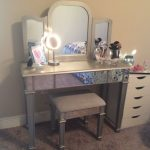 Makeup Vanity Table With Lighted Mirror Corner