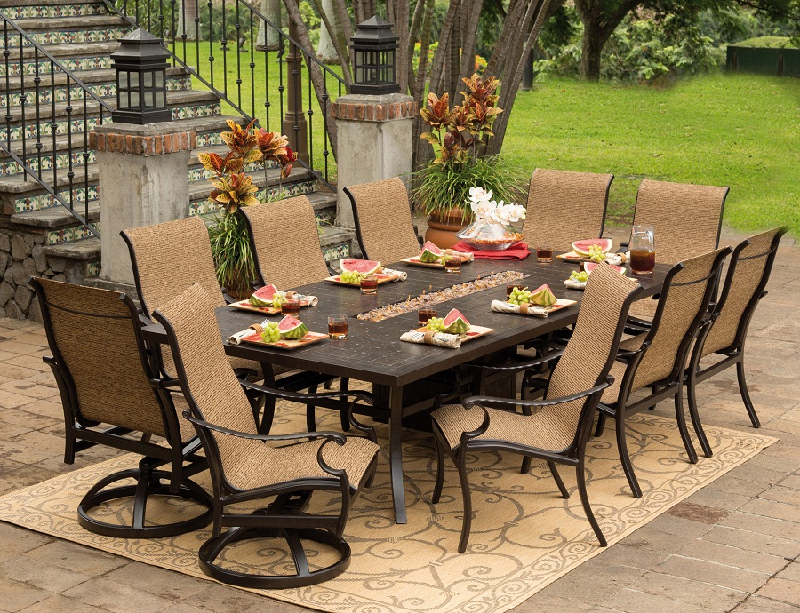 Outdoor Patio Dining Table Fireplace
