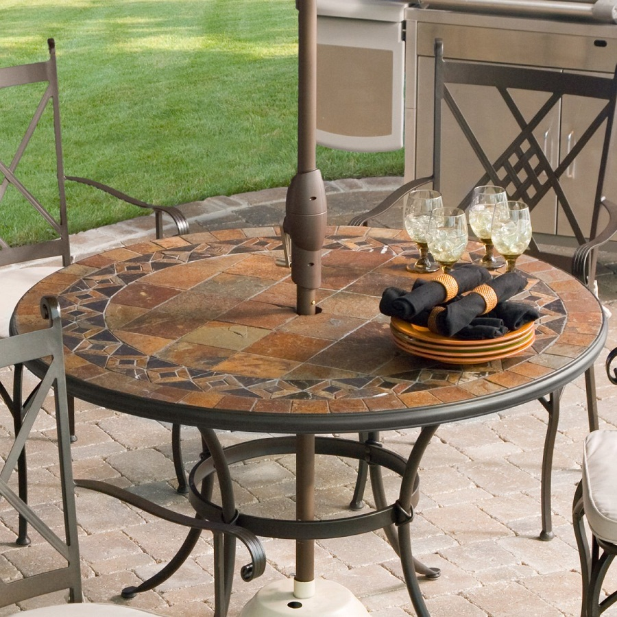 Image of: Outdoor Patio Dining Table Rounds