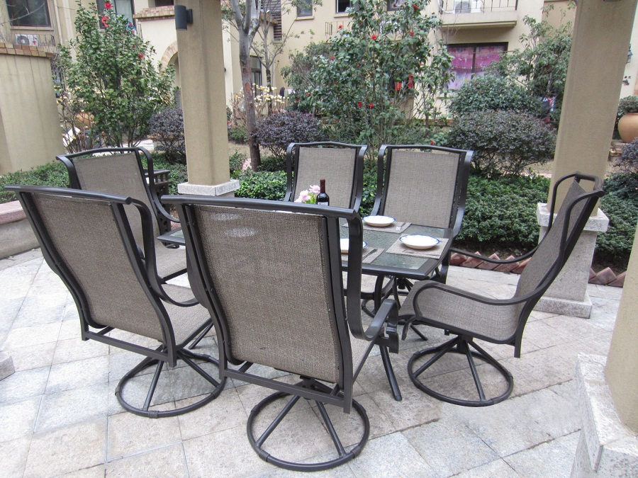 Image of: Outdoor Patio Dining Table and Chairs