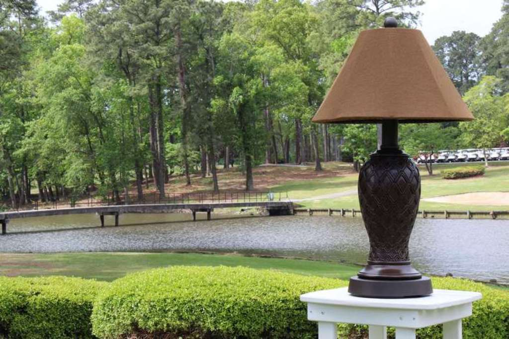 Picture of: outdoor table lamps with wicker shades