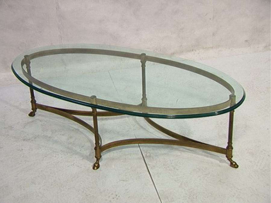 Image of: Oval Glass Coffee Table Ideas