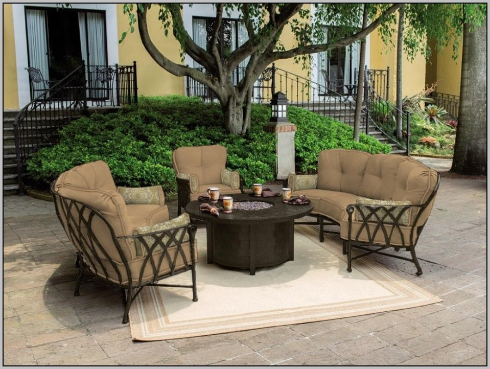 Picture of: Patio Coffee Table Set Ideas