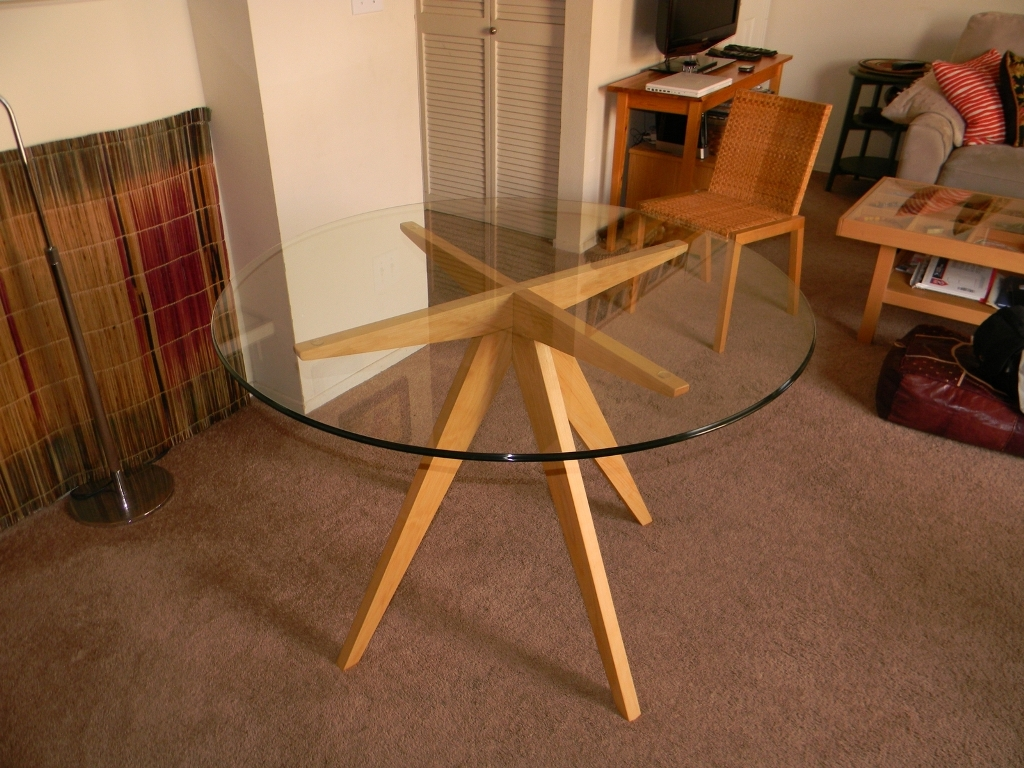Image of: Round Glass Table Base Ideas