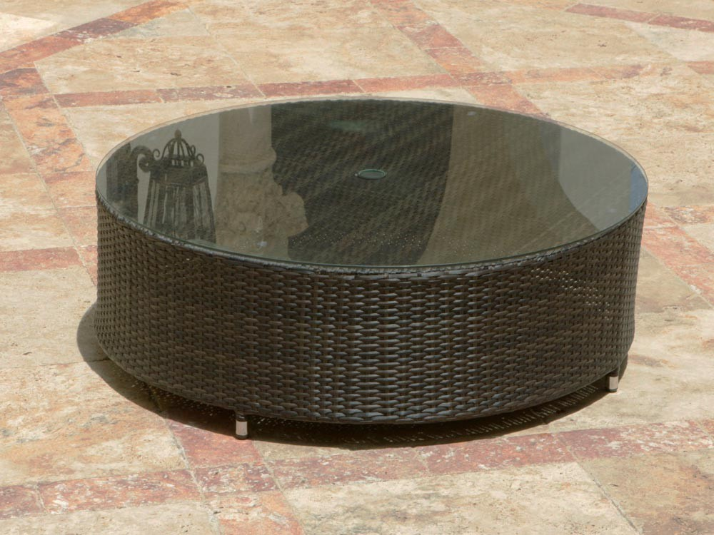 Image of: Round Rattan Coffee Table