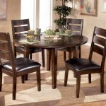 Round Table Dining Room Sets For Small Spaces