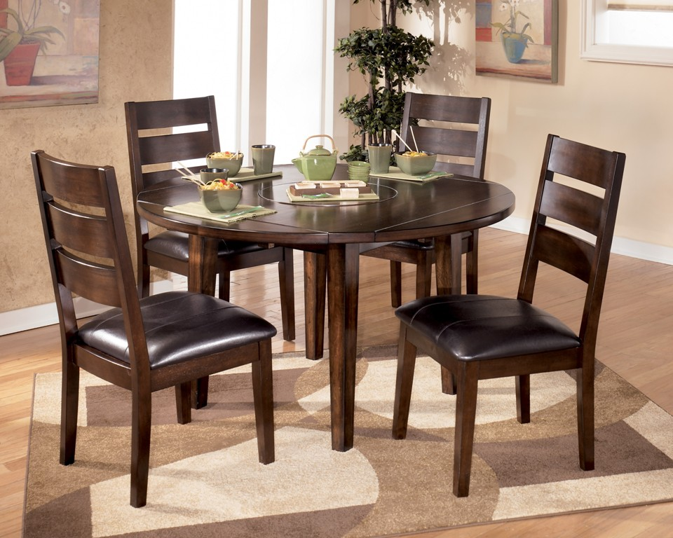 Image of: Round Table Dining Room Sets For Small Spaces