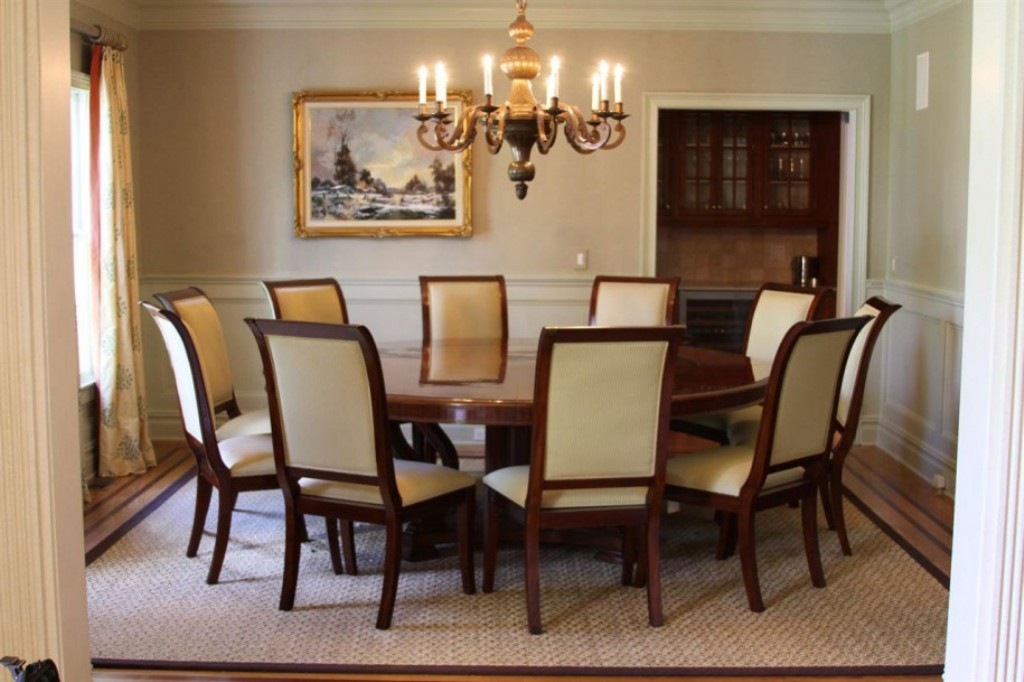Image of: Round Table Dining Room Sets With Bench
