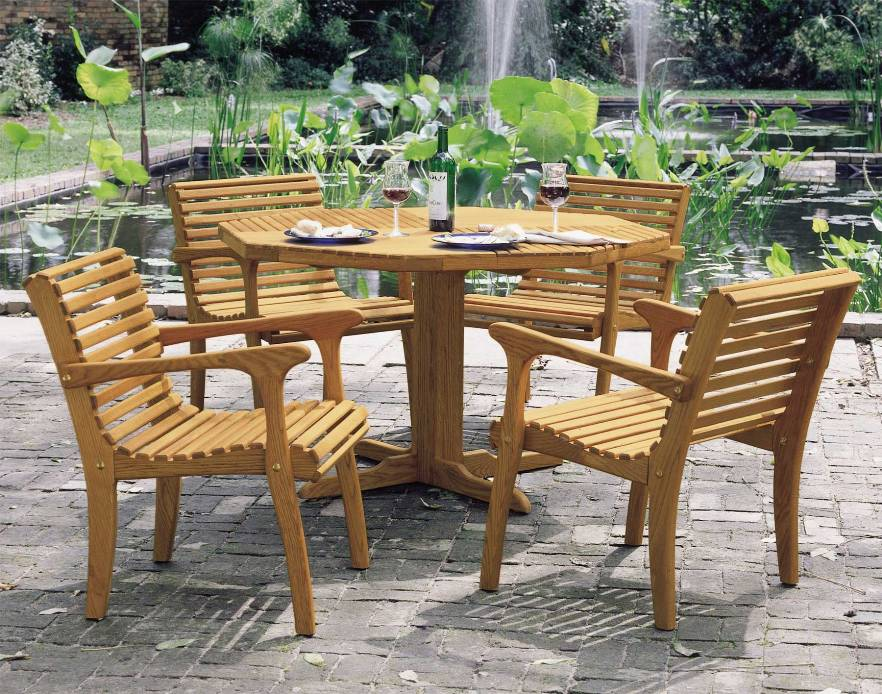 Image of: Round Folding Table And Chair