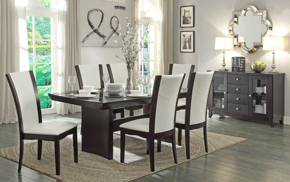 Picture of: Simple Formal Dining Table