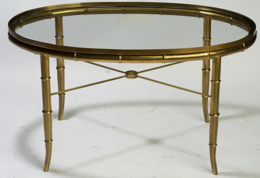 Image of: Simple Oval Glass Coffee Table