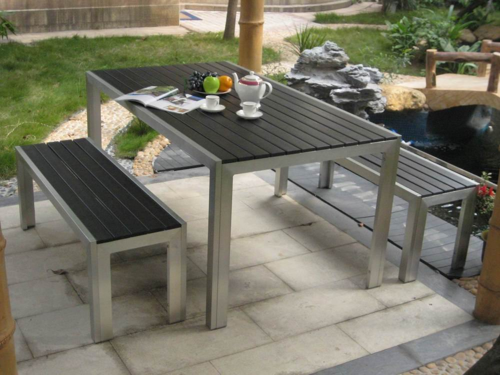 Simple Rectangular Patio Table