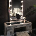 Small Bedroom Makeup Vanity With Lights