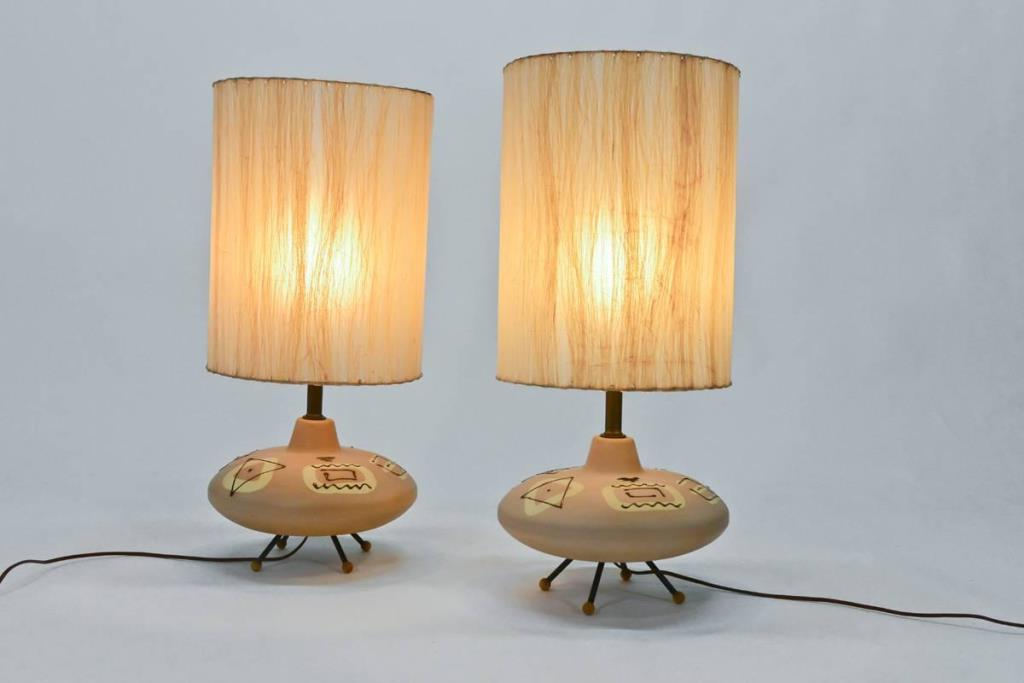 Picture of: traditional table lamps porcelain