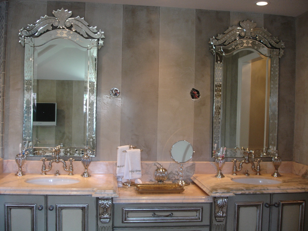 Image of: Unique Bathroom Vanity Mirrors