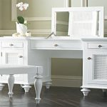 White Bedroom Makeup Vanity With Lights